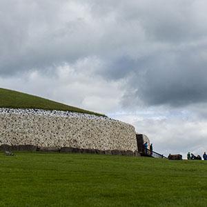 Irisches Tagebuch – Teil 8 – Wohnsitz der Feen: Brú na Bóinne, Newgrange und Knowth